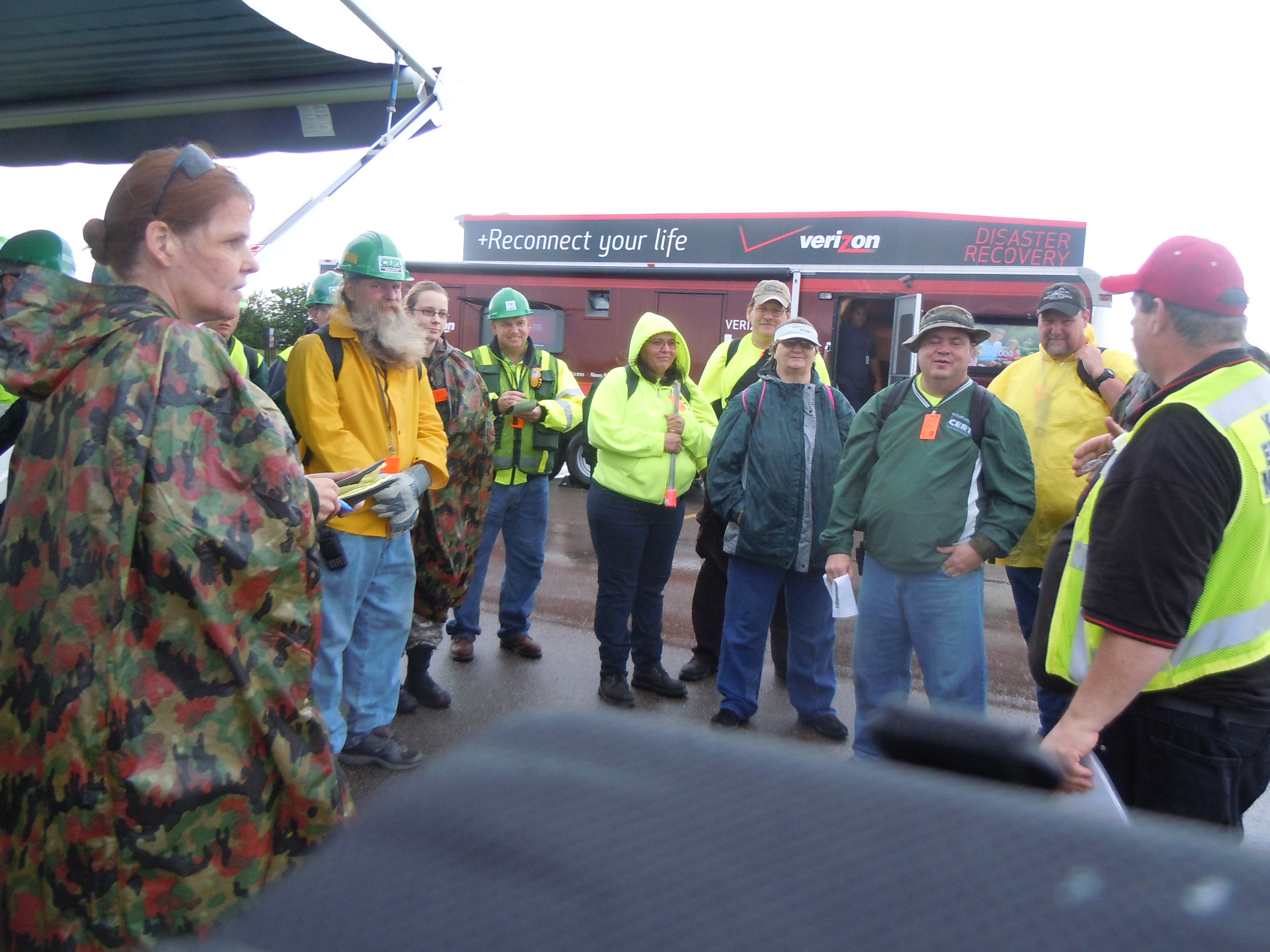 CERT Volunteers Organizing (JPG)